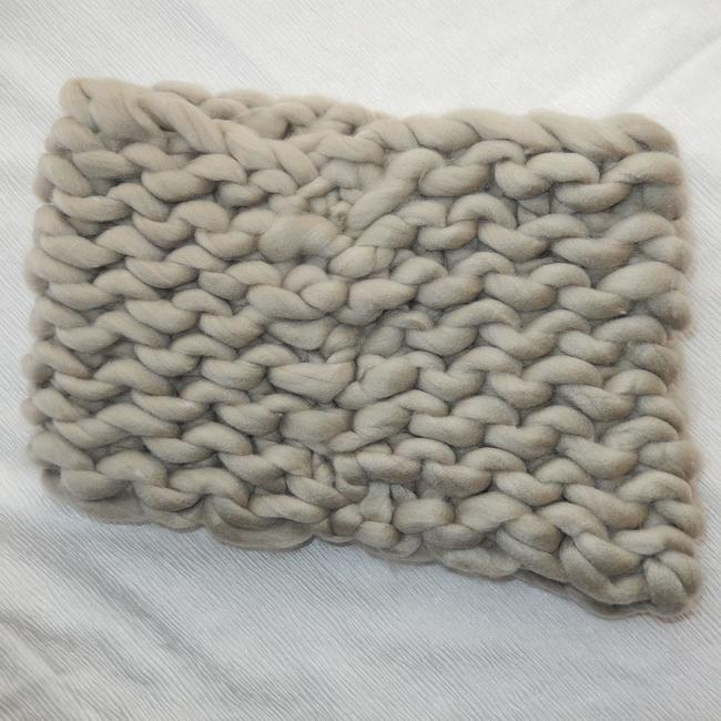 Unbranded Beige Chunky Chained Cable Knitted Infinity Scarf/Wrap Unbranded Beige Chunky Chained Cable Knitted Infinity Scarf/Wrap Image 3