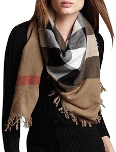 Burberry NWT BURBERRY COLOUR CHECK WOOL SQUARE SCARF WRAP