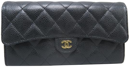 Preload https://img-static.tradesy.com/item/24617983/chanel-black-caviar-quilted-cc-trifold-wallet-0-1-540-540.jpg