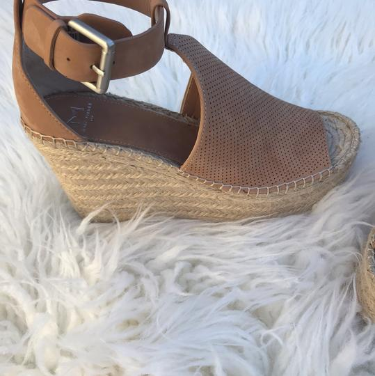 Marc Fisher blush brown Wedges