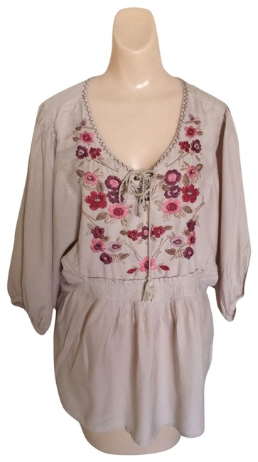 Preload https://img-static.tradesy.com/item/24618161/nine-west-beige-vintage-america-collection-rayven-embroidered-blouse-size-12-l-0-1-650-650.jpg