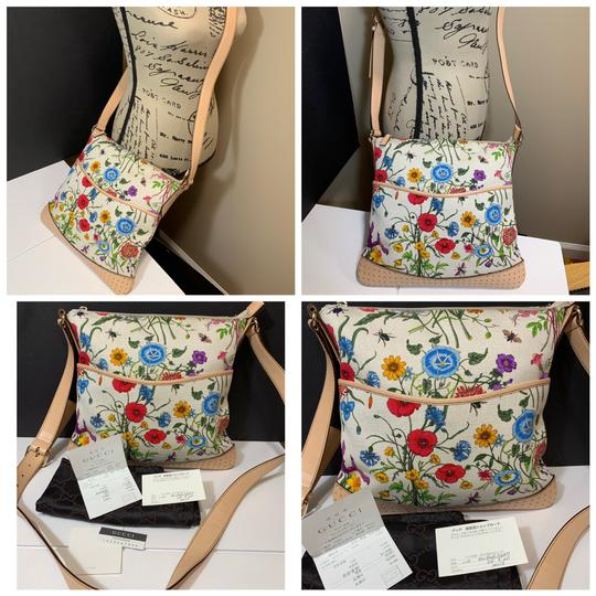 Preload https://img-static.tradesy.com/item/24618252/gucci-flower-print-canvas-floral-multi-color-fabric-leather-cross-body-bag-0-0-540-540.jpg