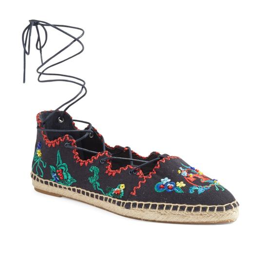 Preload https://img-static.tradesy.com/item/24618373/tory-burch-navy-embroidered-sonoma-gillie-espadrille-canvas-lace-up-flats-size-us-7-regular-m-b-0-0-540-540.jpg