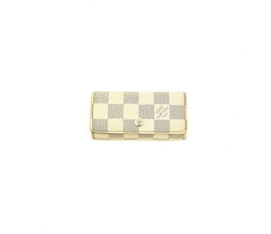 Preload https://img-static.tradesy.com/item/24618448/louis-vuitton-white-w-multicles-4-damier-azur-canvas-leather-key-holder-case-france-w-box-0-0-540-540.jpg