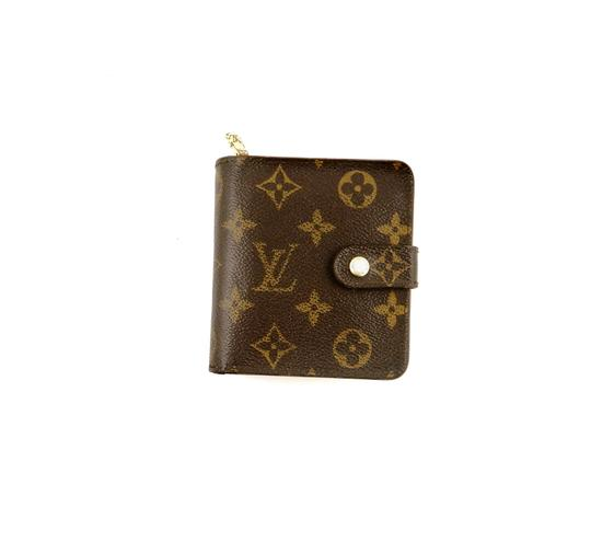 Preload https://img-static.tradesy.com/item/24618475/louis-vuitton-brown-zippy-compact-clutch-monogram-canvas-leather-wallet-0-0-540-540.jpg