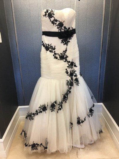 Preload https://img-static.tradesy.com/item/24618495/champagneblack-tulle-unique-lace-and-strapless-mermaid-gown-s-modern-wedding-dress-size-10-m-0-0-540-540.jpg