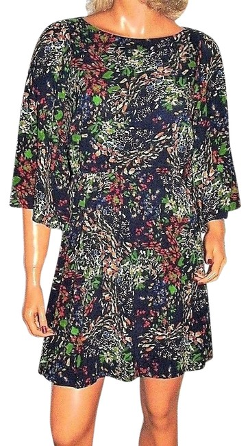 Preload https://img-static.tradesy.com/item/24618566/alice-olivia-multi-colored-xs-blue-green-floral-short-casual-dress-size-2-xs-0-1-650-650.jpg