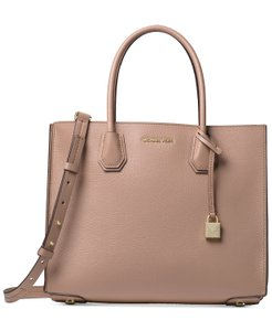 db891dd750c1 Michael Kors Tote in Fawn/Gold · Michael Kors. Mercer Large Pebbled  Accordion Fawn/Gold Leather Tote