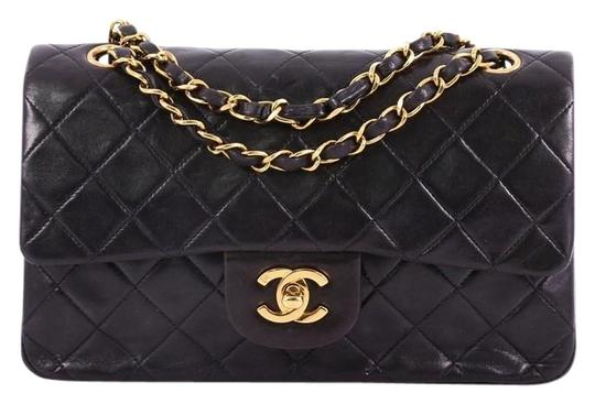 Preload https://img-static.tradesy.com/item/24619537/chanel-classic-flap-vintage-classic-double-quilted-small-black-lambskin-leather-shoulder-bag-0-1-540-540.jpg