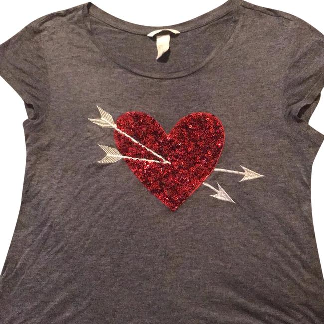 Preload https://img-static.tradesy.com/item/24620105/h-and-m-gray-with-red-sequined-heart-tee-shirt-size-8-m-0-1-650-650.jpg