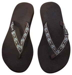 2e31e571be Reef Sandals Up to 90% off at Tradesy