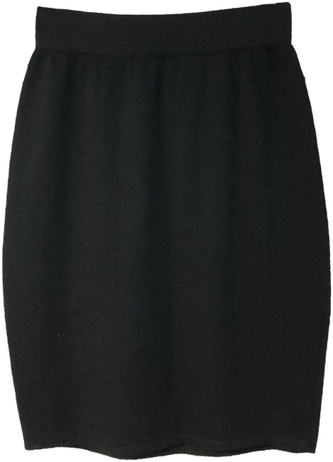 Preload https://img-static.tradesy.com/item/24622173/st-john-black-elastic-waist-knit-pencil-skirt-size-6-s-28-0-2-650-650.jpg