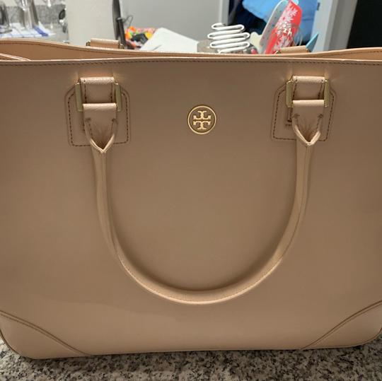 Tory Burch Leather Saffiano Tote in Light Pink Image 10
