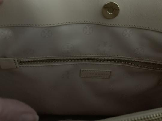 Tory Burch Leather Saffiano Tote in Light Pink Image 4