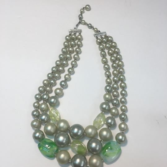 Vintage Vintage multi strand green Beaded Necklace Image 3
