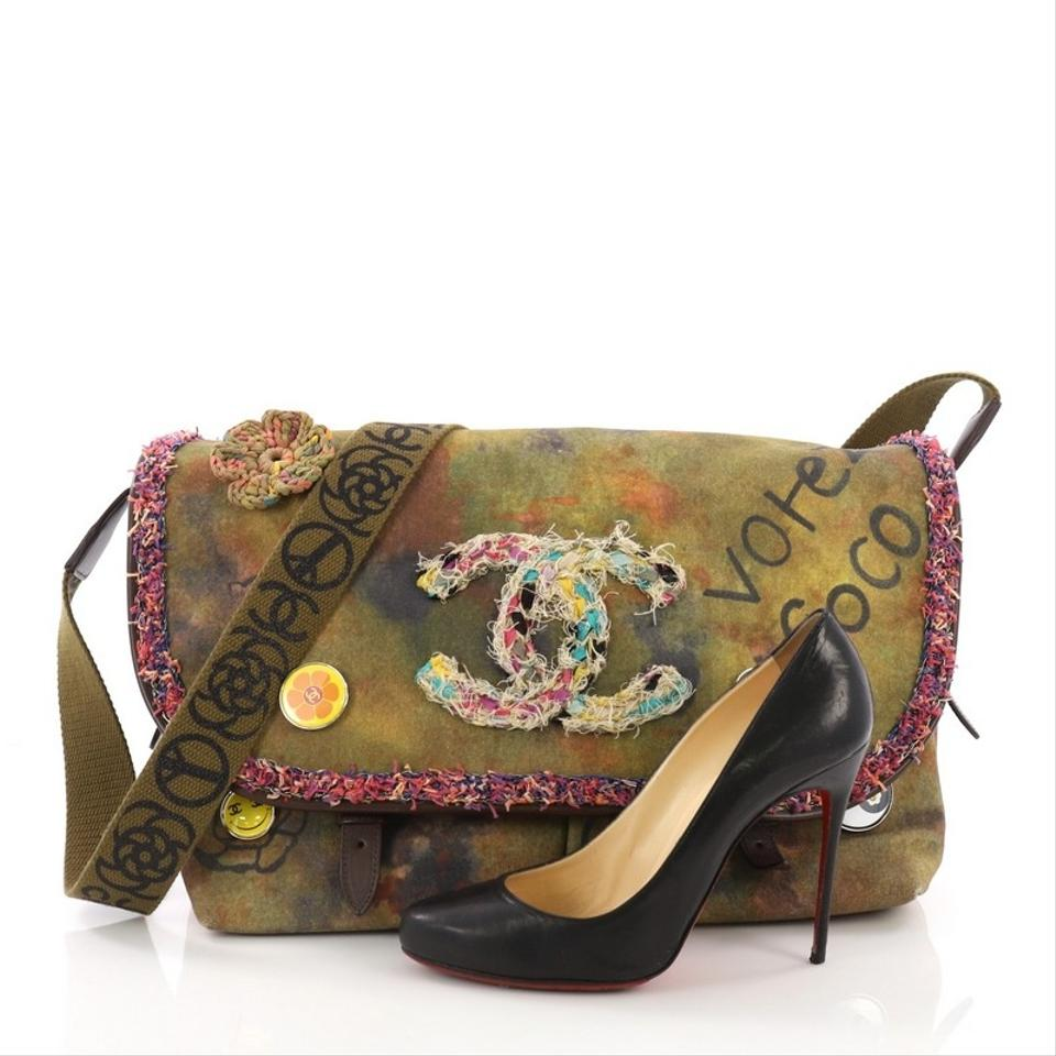 04aa6d3bf6a Chanel Graffiti Messenger On The Pavements Large Green Canvas ...