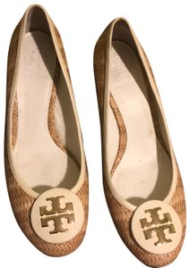 f533f8d4acf2 Women s Tory Burch Shoes - Up to 90% off at Tradesy