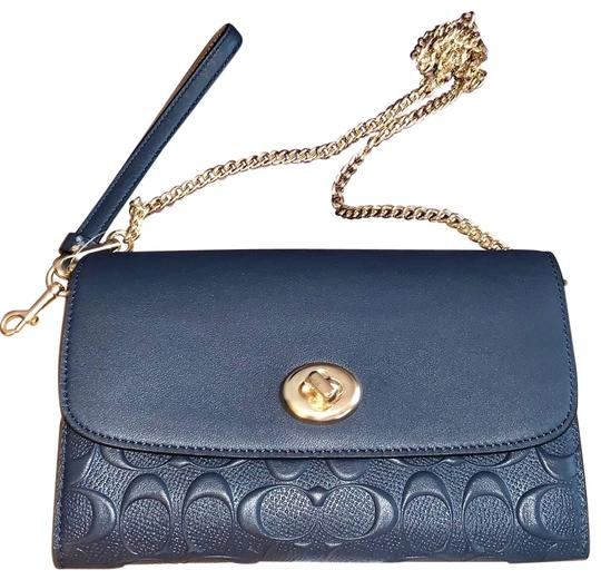 Preload https://img-static.tradesy.com/item/24622764/coach-and-four-blue-leather-cross-body-bag-0-1-540-540.jpg