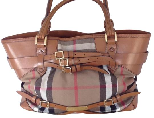 Preload https://img-static.tradesy.com/item/24623039/burberry-classic-print-with-straps-brown-leather-and-canvas-tote-0-1-540-540.jpg