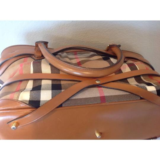 Burberry Tote in brown Image 7