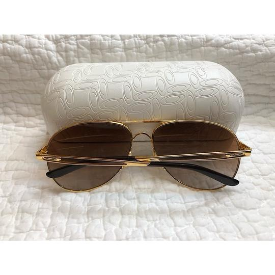 Oakley Caveat Aviator Gold Frame with Brown Gradient Lenses Image 4