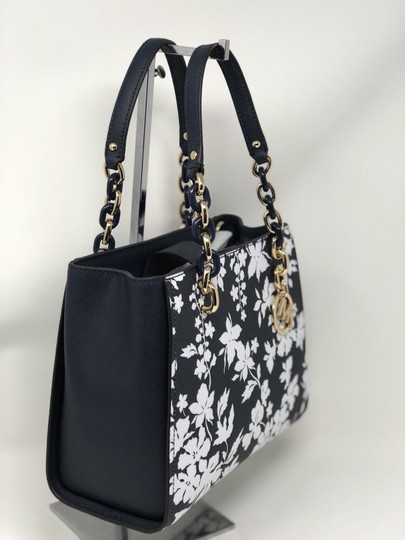 Michael Kors Medium Chain Md Ns Tote navy blue floral Messenger Bag Image 4