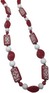 Vintage Vintage red & white long beaded necklace
