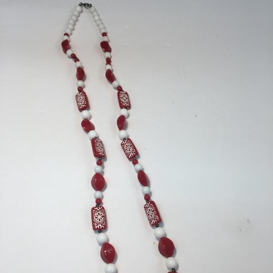 Vintage Vintage red & white long beaded necklace Image 1