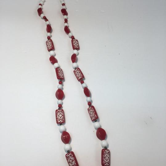 Vintage Vintage red & white long beaded necklace Image 2