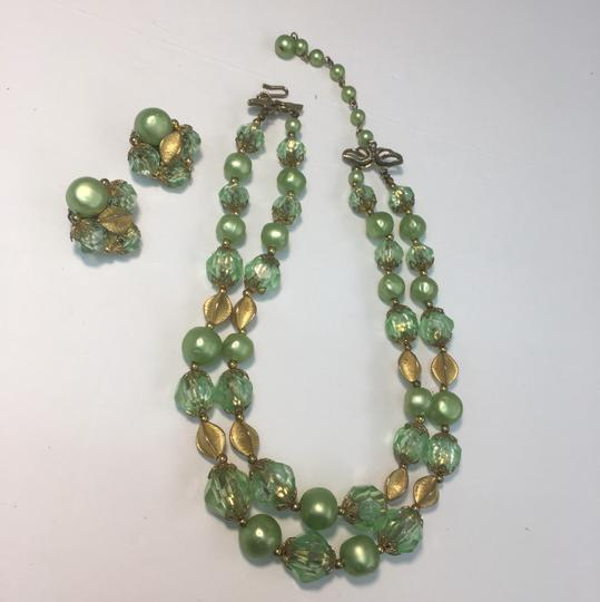 Vintage vintage gold green crystal bead necklace & earrings Image 1