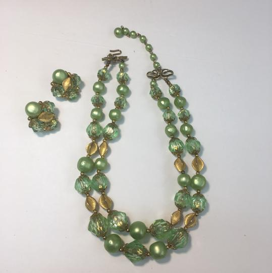 Vintage vintage gold green crystal bead necklace & earrings Image 2