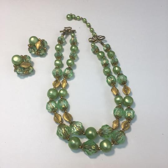 Vintage vintage gold green crystal bead necklace & earrings Image 3