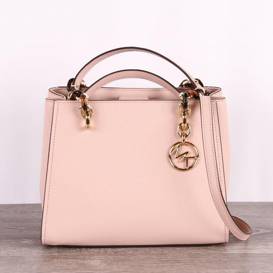 Michael Kors Medium Chain Md Ns Tote in pink Image 10