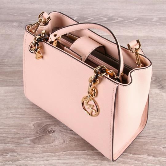 Michael Kors Medium Chain Md Ns Tote in pink Image 3