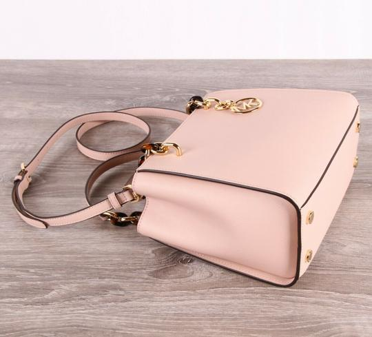 Michael Kors Medium Chain Md Ns Tote in pink Image 4