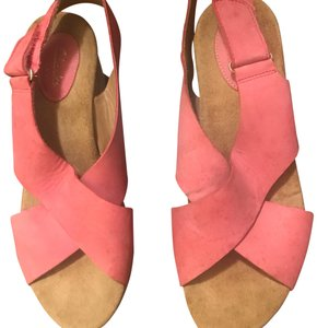 68c13ca95cdc4 Clarks Leather Cross Strap Wedges Size US 7.5 Regular (M, B) - Tradesy