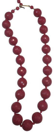 Preload https://img-static.tradesy.com/item/24623757/red-germany-faceted-beaded-necklace-0-2-540-540.jpg