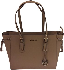 Michael Kors Satchel Satchel Tote in Beige (Oat)