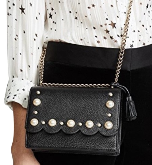 Preload https://img-static.tradesy.com/item/24623815/kate-spade-pearls-adjustable-chain-strap-blackgold-pebbled-leather-cross-body-bag-0-1-540-540.jpg
