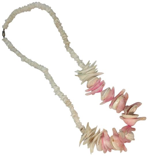 Preload https://img-static.tradesy.com/item/24624159/white-pukka-shell-and-colorful-shell-necklace-0-1-540-540.jpg