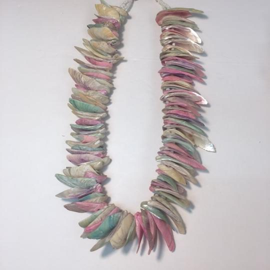 Vintage Vintage and colorful shell necklace Image 2