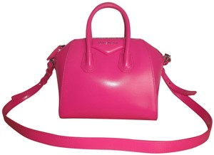 01f449407a Pink Messenger Bags - Up to 90% off at Tradesy