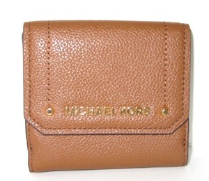 Michael Kors Wallet Leather 192317768541 Wristlet in Luggage
