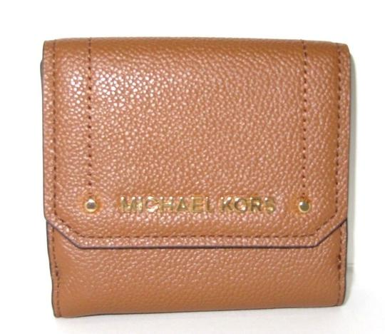 Preload https://img-static.tradesy.com/item/24624267/michael-kors-trifold-coin-wallet-pebbled-luggage-leather-wristlet-0-0-540-540.jpg
