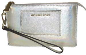 Michael Kors Leather 191935096180 Wristlet in Pale Gold