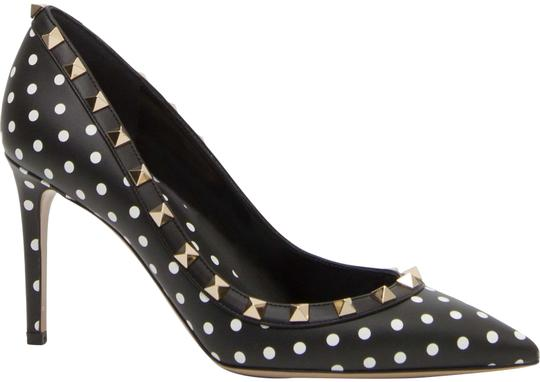 Preload https://img-static.tradesy.com/item/24624317/valentino-black-garavani-rockstud-polka-dot-pumps-size-eu-36-approx-us-6-regular-m-b-0-1-540-540.jpg