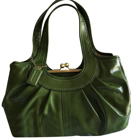 Preload https://img-static.tradesy.com/item/24624329/coach-ergo-green-patent-leather-shoulder-bag-0-1-540-540.jpg