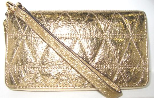Michael Kors Wallet Leather 191262370526 Wristlet in Pale Gold