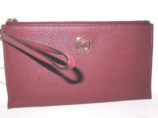 Michael Kors Leather 190049927137 Brick Clutch