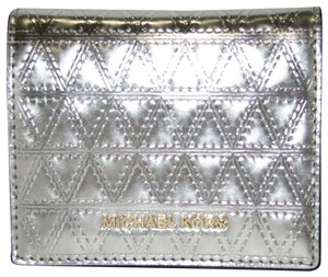 Michael Kors Leather Wallet 191935092793 Wristlet in Champagne